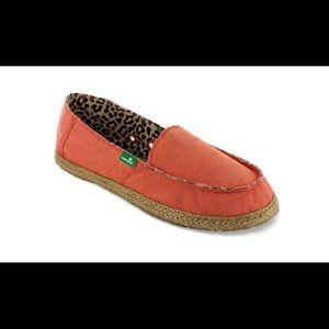 SANUK Women's Fiona Shoes, Coral